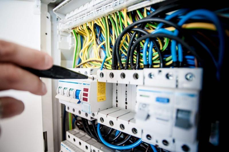 Tvist med en elektriker - Vad ska man göra?